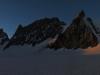 Au matin, le soleil se leve sur la Glacier et la Barre des Ecrins