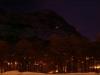 """La station \""""Eigerwand\"""" brille dans la nuit"""