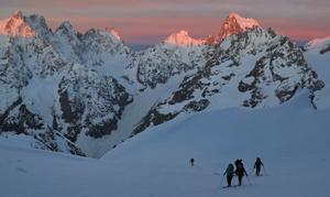 ski de randonnée en raid à ski avec Escalade Aventure