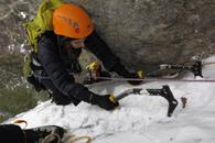 cascade de glace dans le vallon du Fournel avec un guide de haute montagne Alpes Aventure