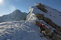 le couloir en S au Pic du Glacier d'arsine avec un guide de haute montagne des ecrins, dans le glacier Blanc