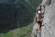 via ferrata de freissinieres dans les hautes alpes avec un guide de haute montagne alpes aventure