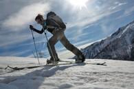 Initiation au ski de randonnée et à la randonnée en surf avec un splitboard à Puy Saint Vincent