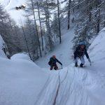 Cascade de Glace à Ceillac dans le Queyras avec un guide de haute montagne Alpes Aventure